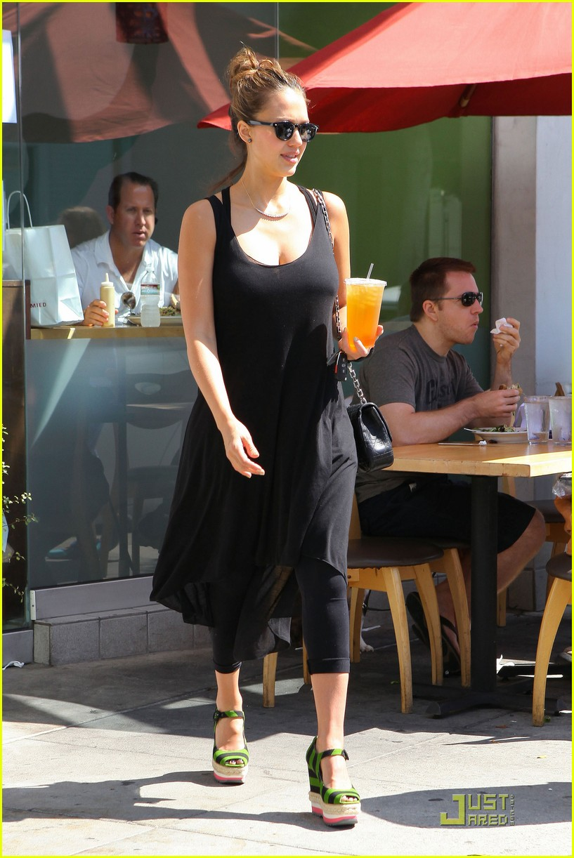 jessica alba tweets mommy workout tips 10