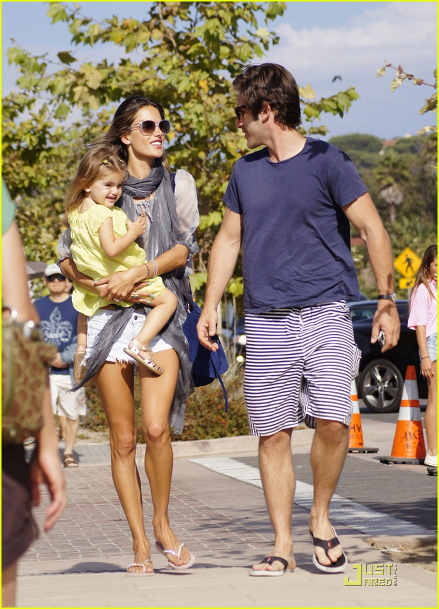 alessandra ambrosio family day 07