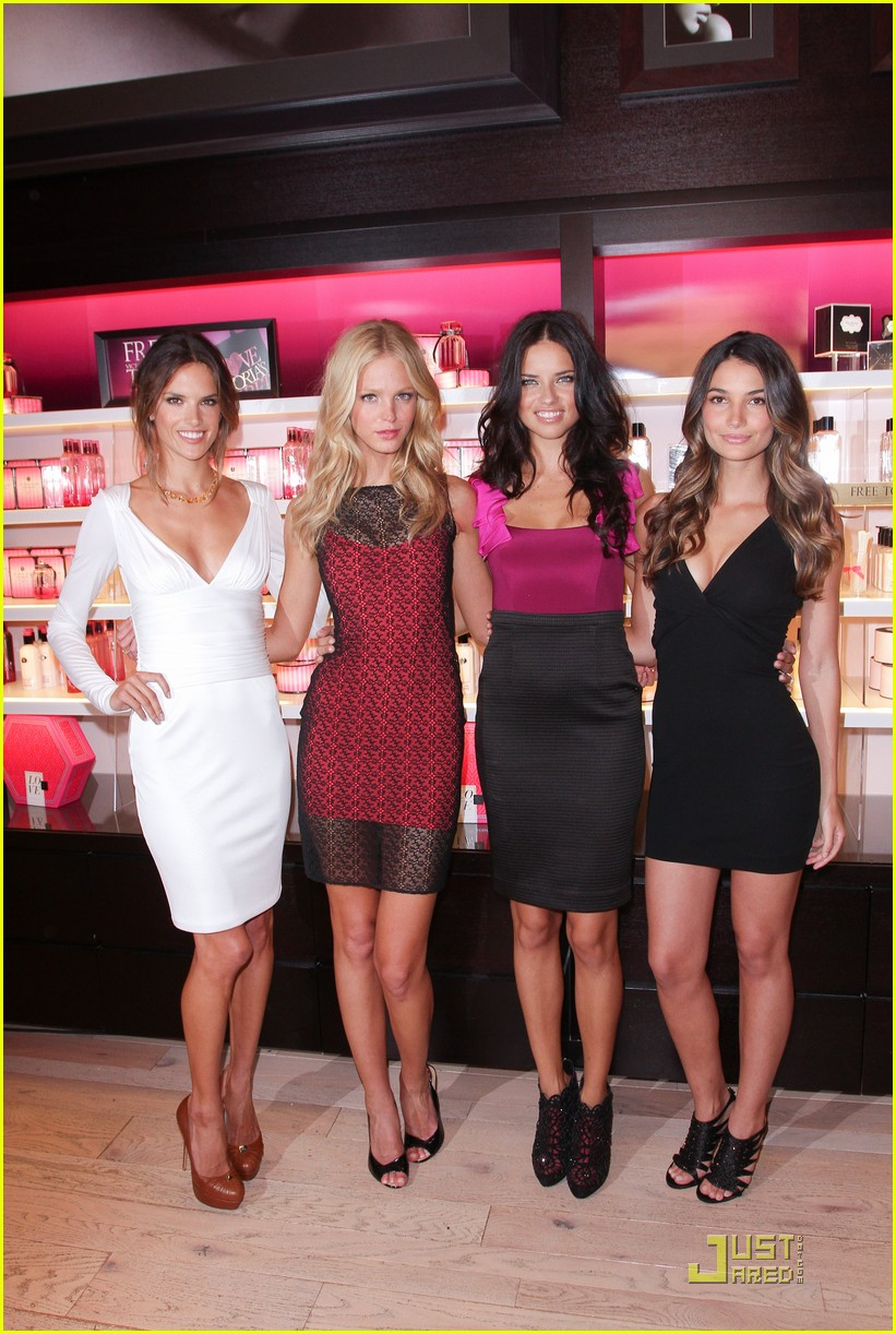 alessandra ambrosio adriana lima fashions night out 09