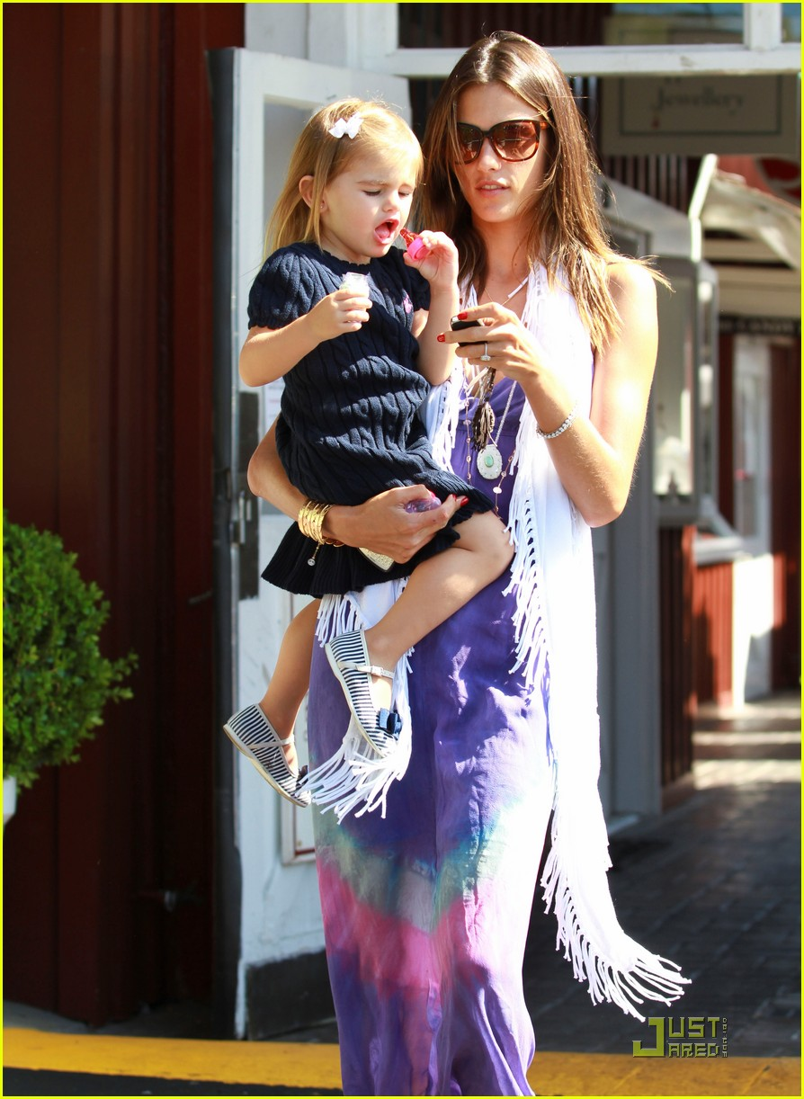 alessandra ambrosio anja brentwood country mart 04