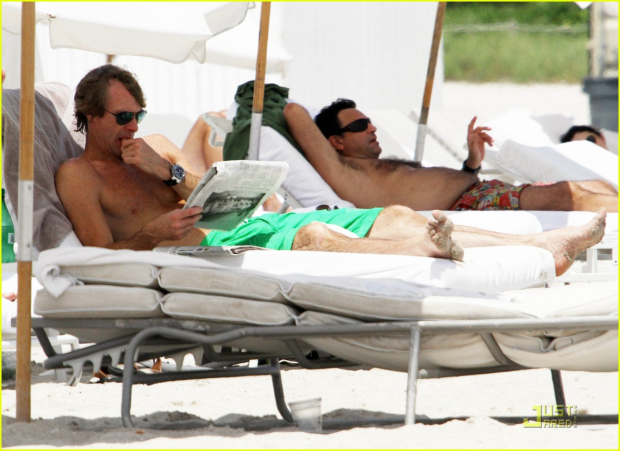 michael bay shirtless miami 042576875