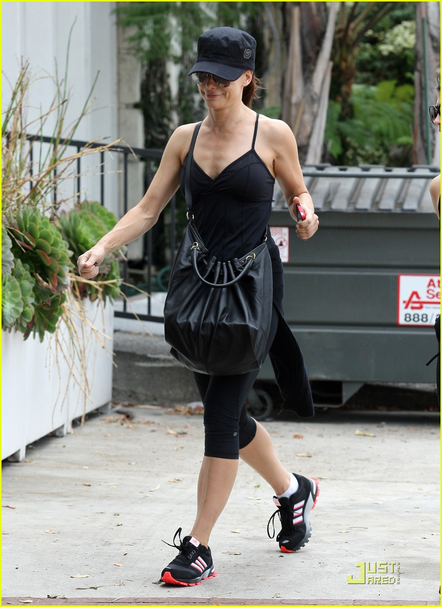 sandra bullock works out 07