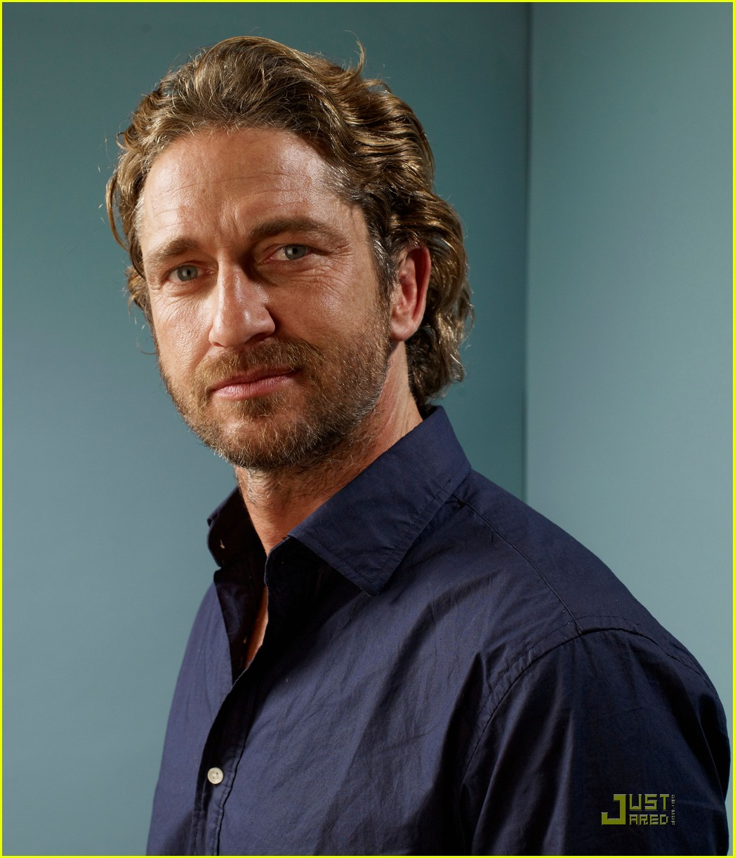 gerard butler machine gun preacher portraits at tiff 02