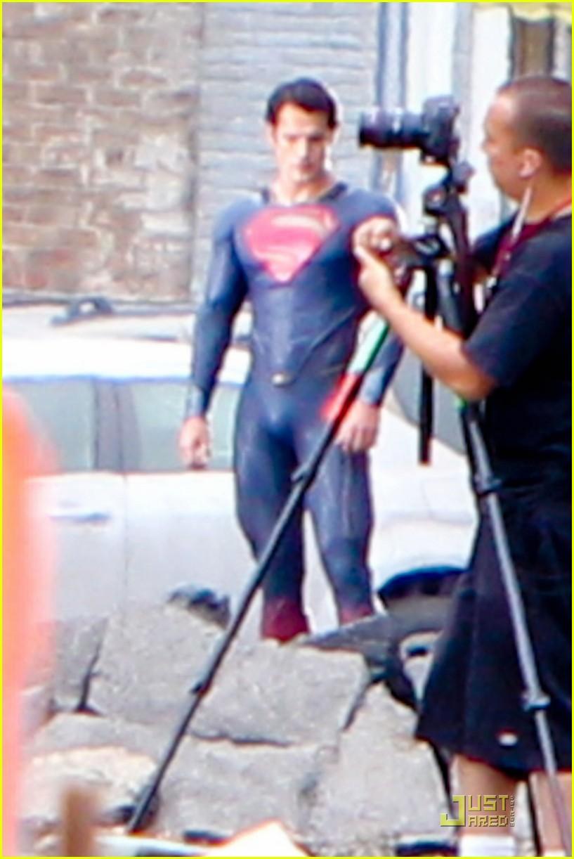 henry cavill superman man of steel set photos 11