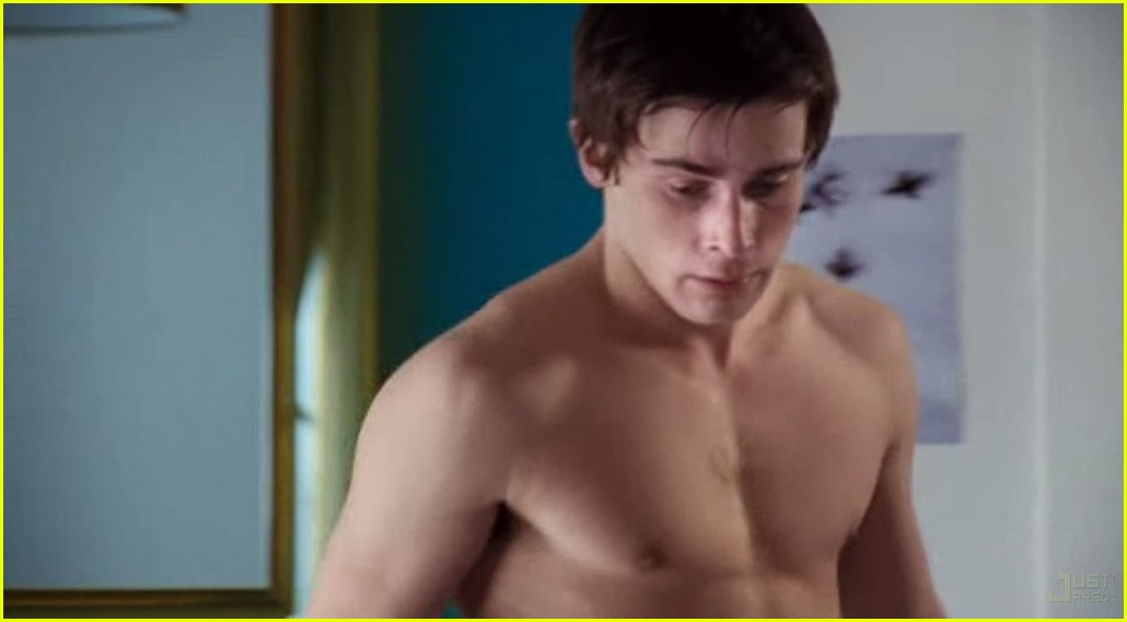 christian cooke shirtless 13