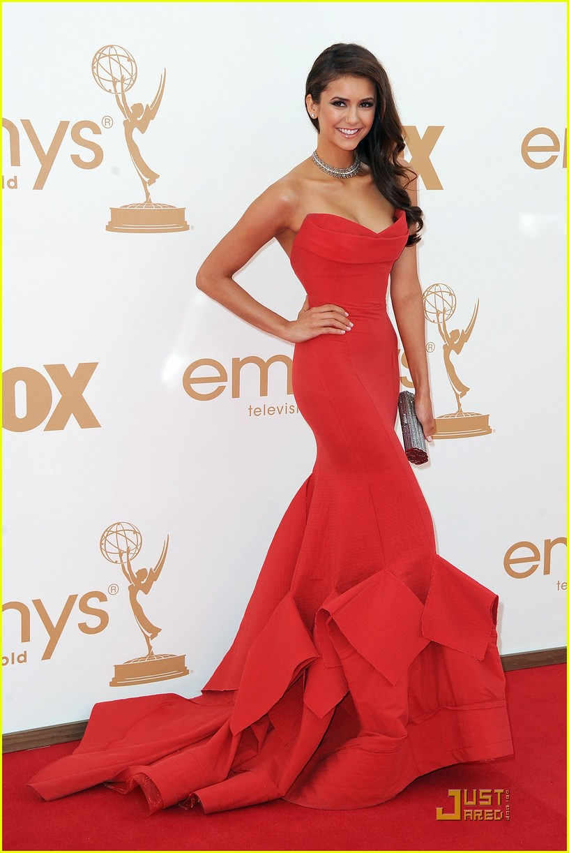 nina dobrev emmys 2011 red carpet 01