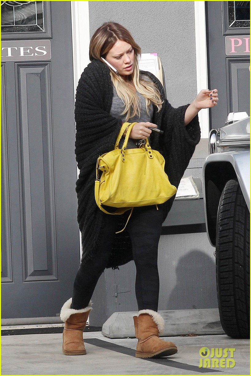 hilary duff yellow purse pilates 102585224