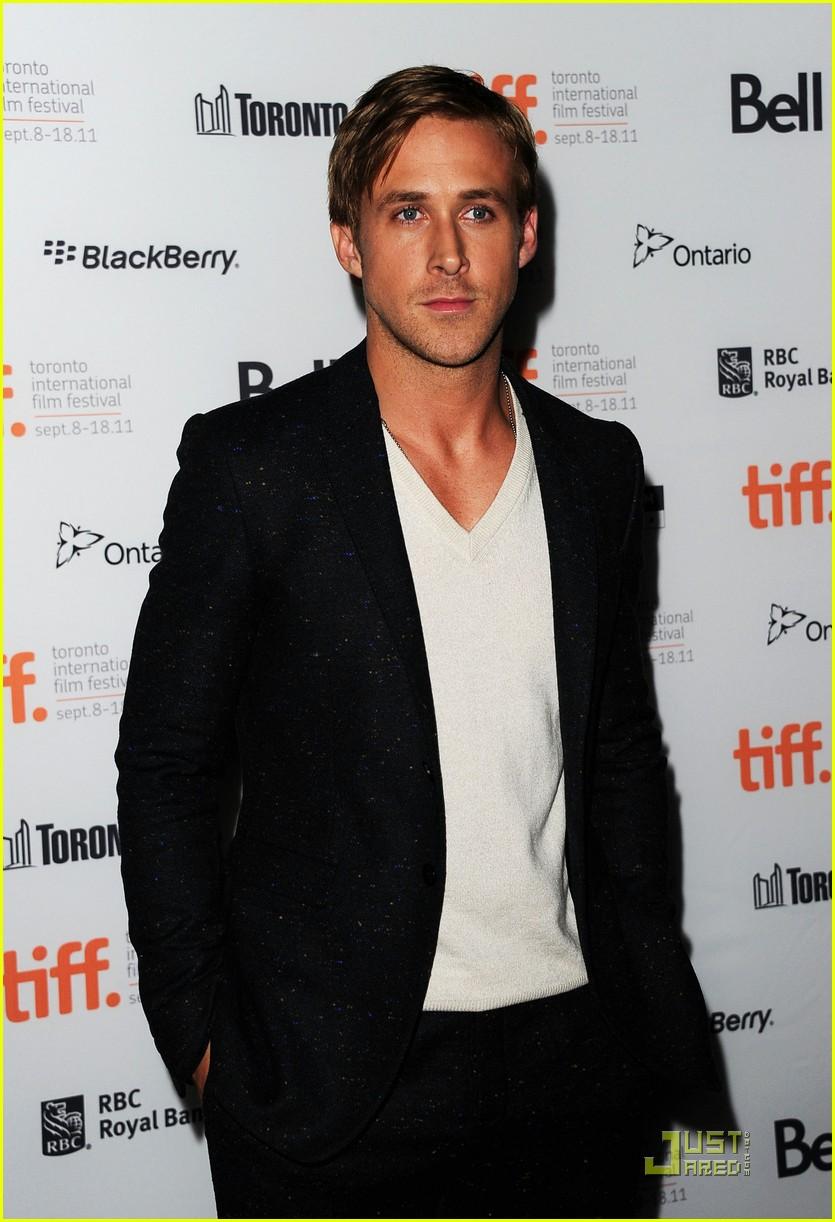 ryan gosling drive premiere in toronto 03