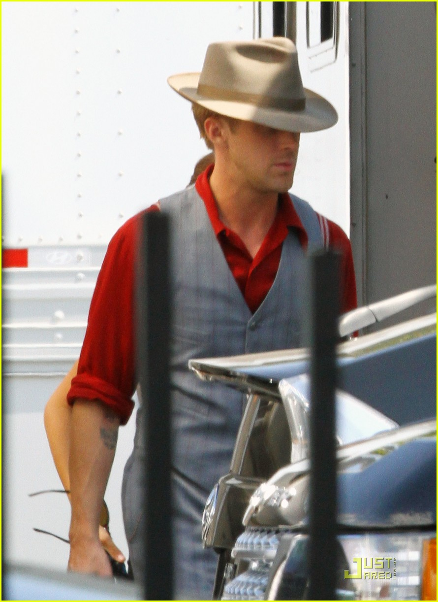 ryan gosling gangster set 022579884