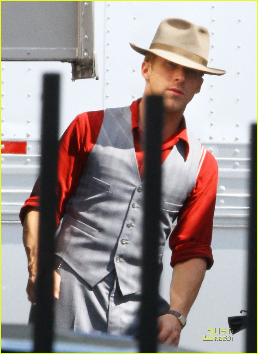 ryan gosling gangster set 05