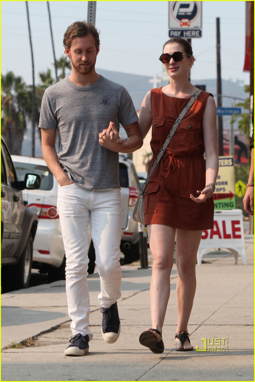 anne hathaway adam shulman millies coffee shop 23