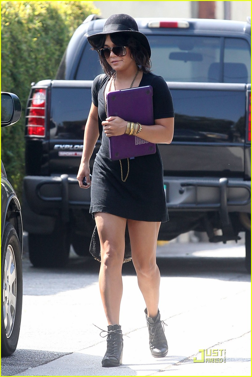vanessa hudgens lunch after yoga 06