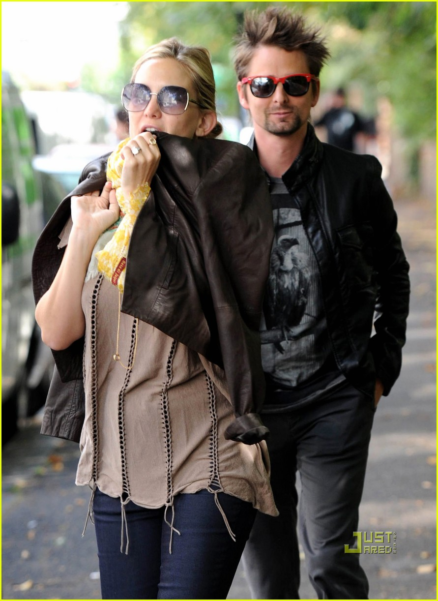 kate hudson matt bellamy breakfast london 05