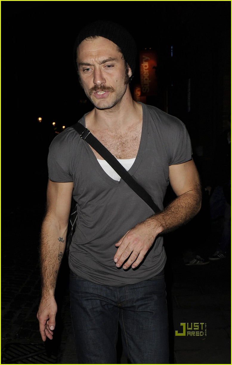jude law mustache donmar warehouse anna christie 062580089
