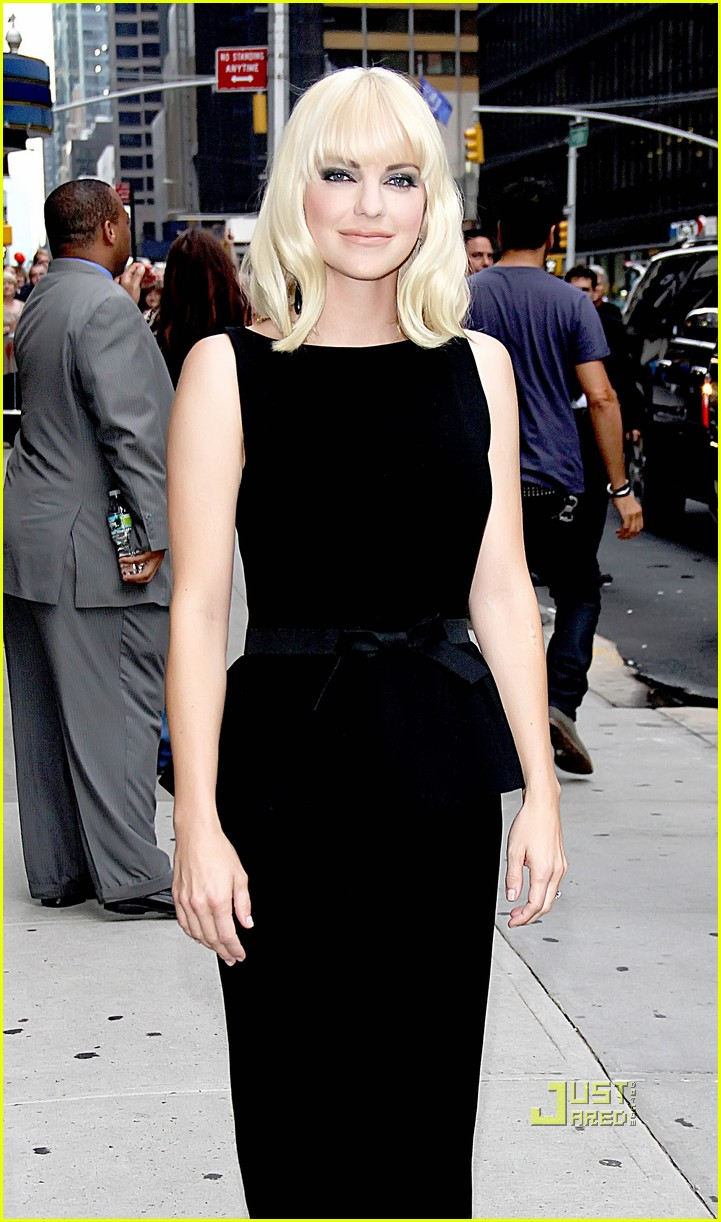 anna faris late show letterman marie claire express 01