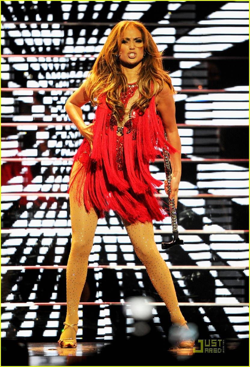 jennifer lopez iheartradio festival performance 01