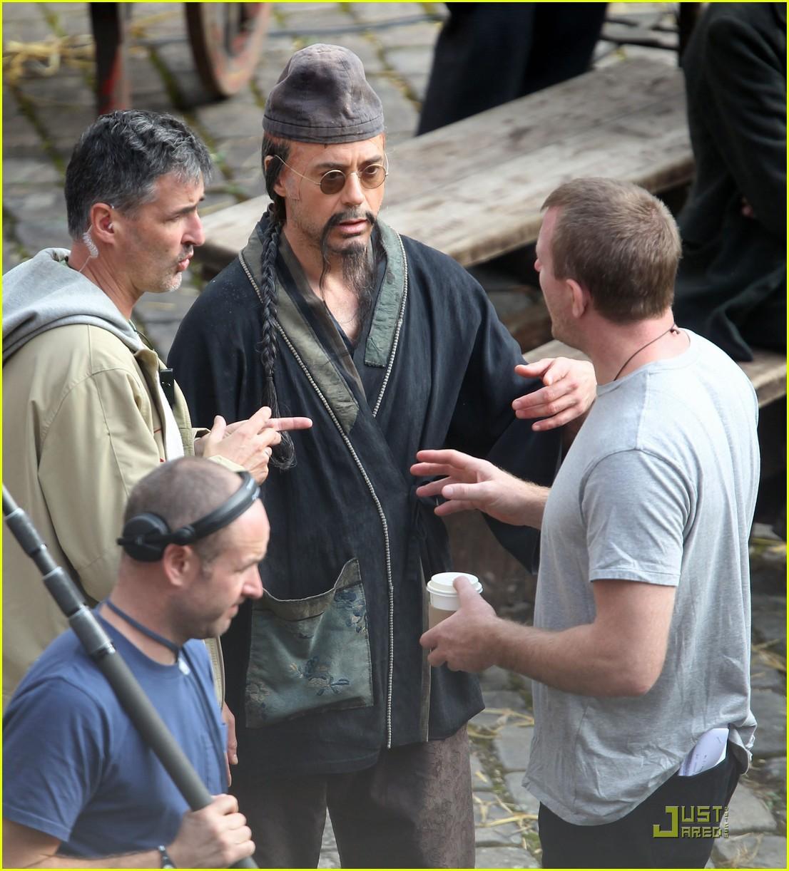 rachel mcadams robert downey jr sherlock filming 05