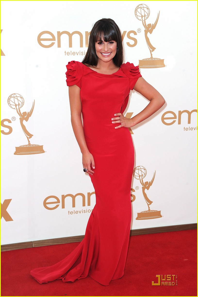 lea michele emmys 2011 red carpet 01