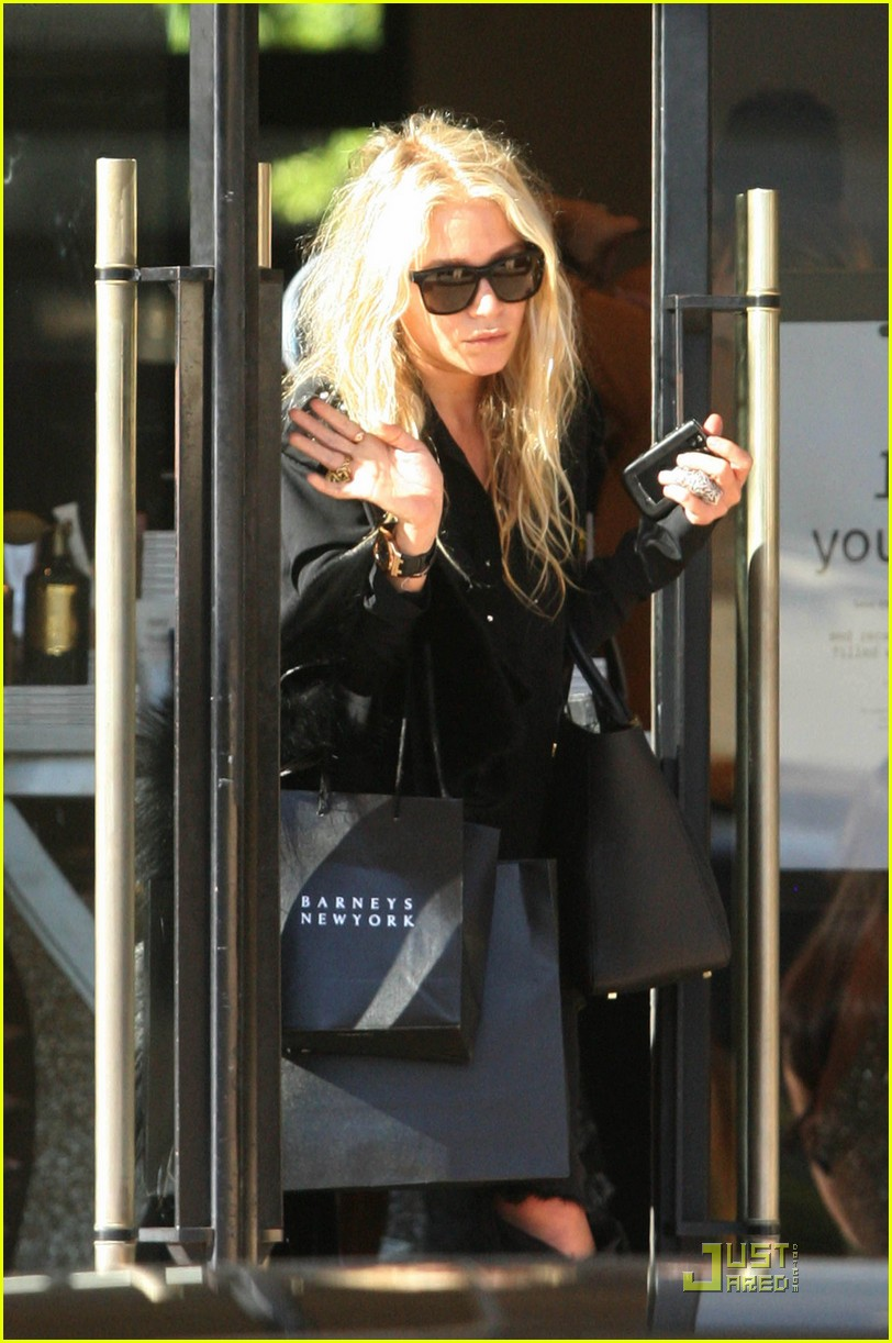 mary kate olsen picks stylemints september stylist 01