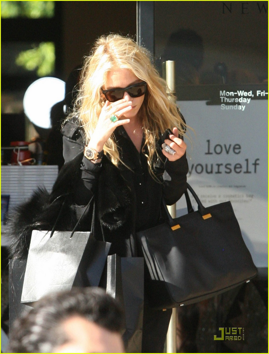 mary kate olsen picks stylemints september stylist 022583617