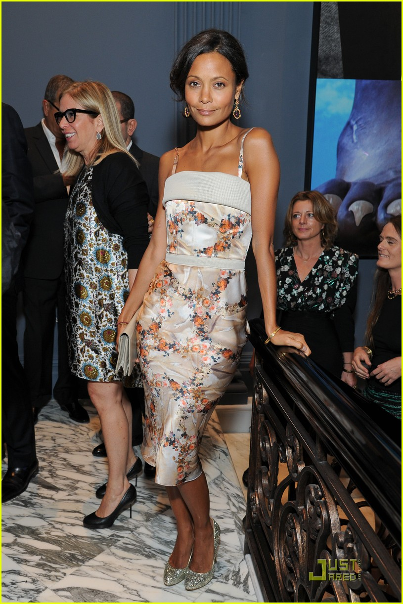 gwyneth paltrow coach dinner thandie newton 032577511