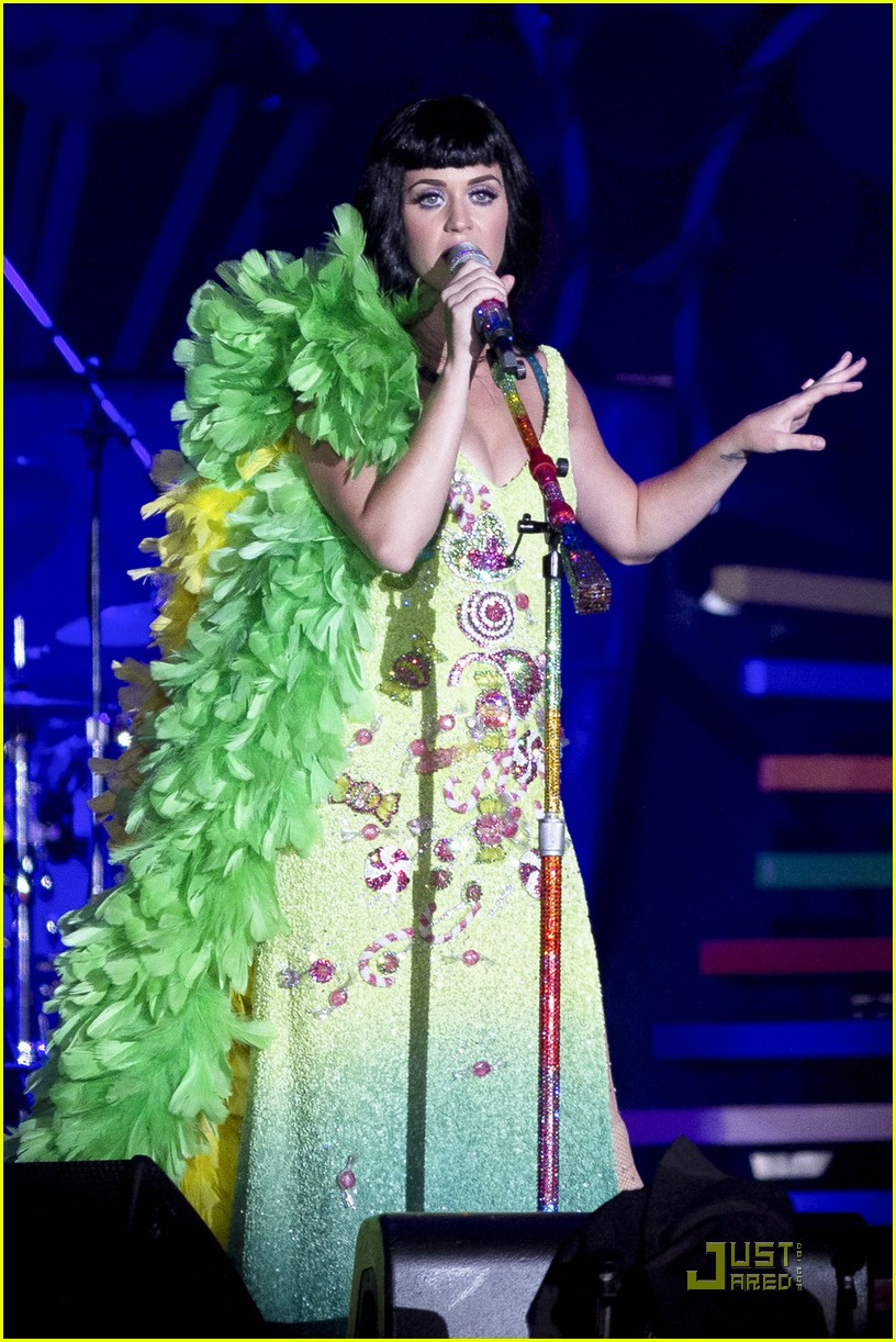 katy perry rocks rio 02