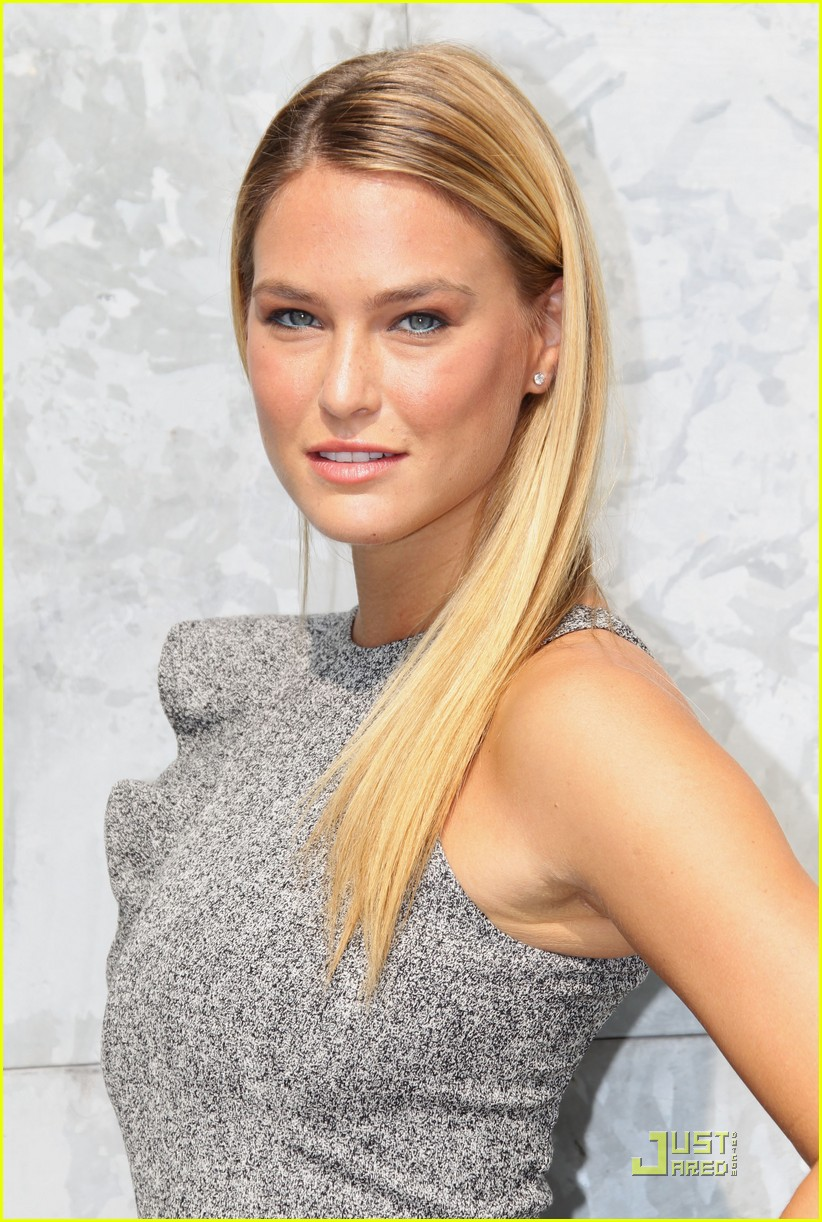bar refaeli emporio armani fashion show 04