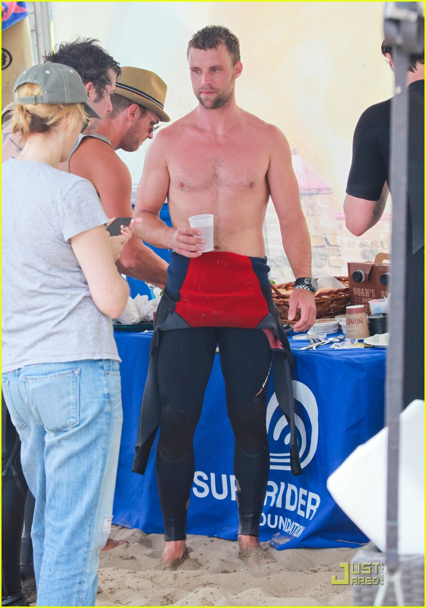 jesse spencer shirtless surfer 07
