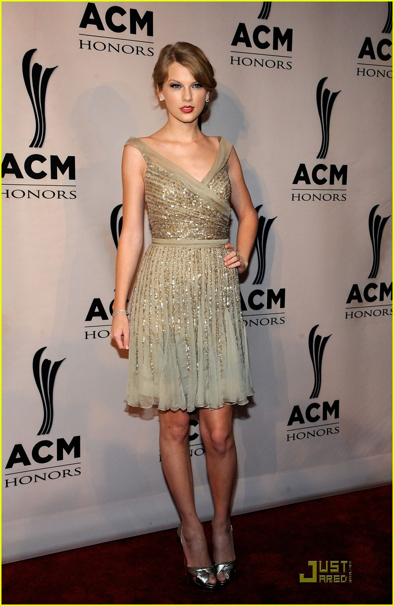 taylor swift acm honors 012582069