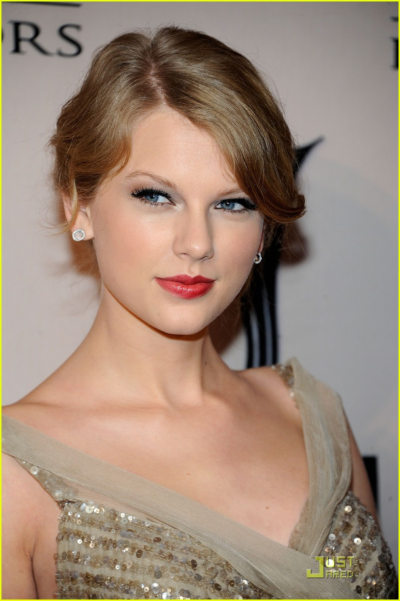 taylor swift acm honors 052582073