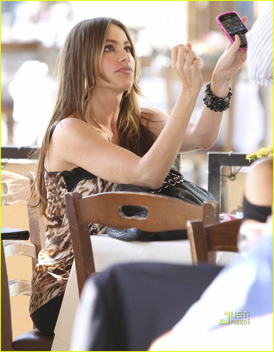 sofia vergara out to lunch 01