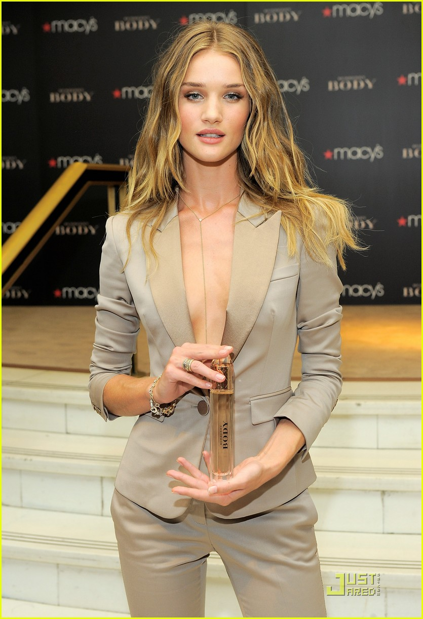 rosie huntington whiteley macys 012579344