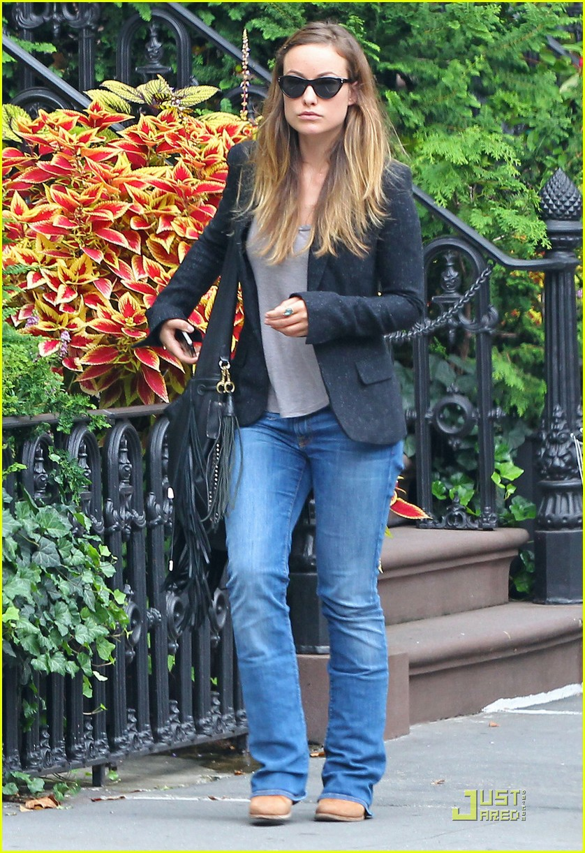 olivia wilde snack pickup 07