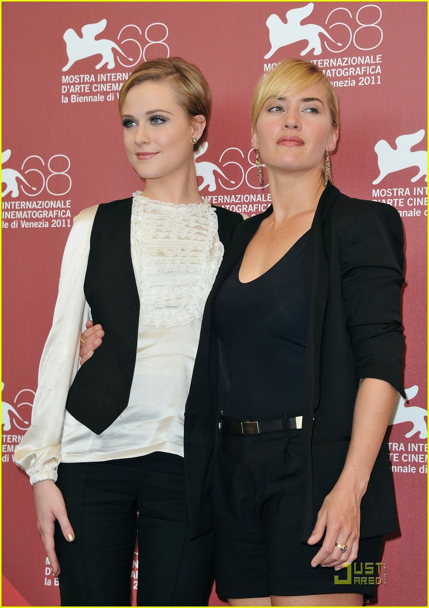 kate winslet evan rachel wood midlred pierce photo call venice 17