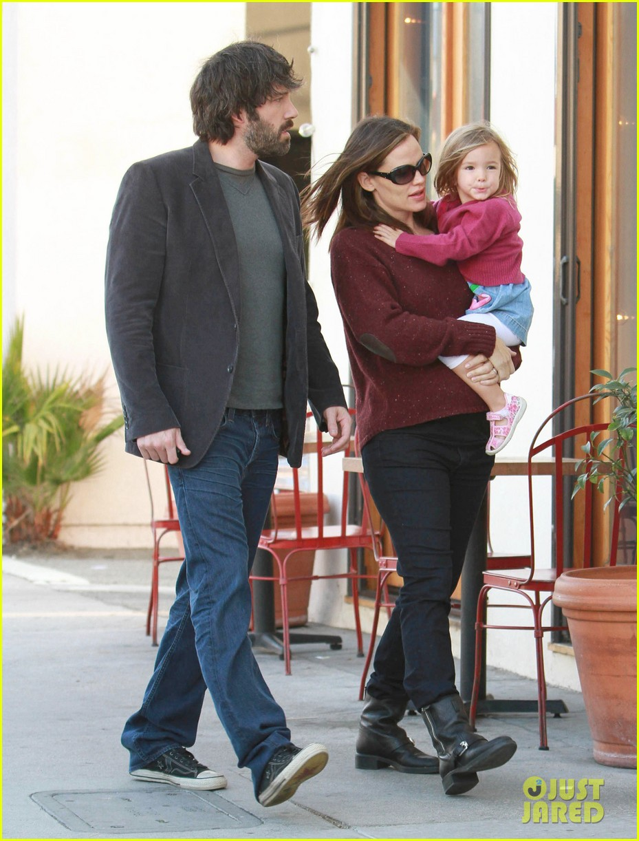 jennifer garner ben affleck huckleberry 052593855