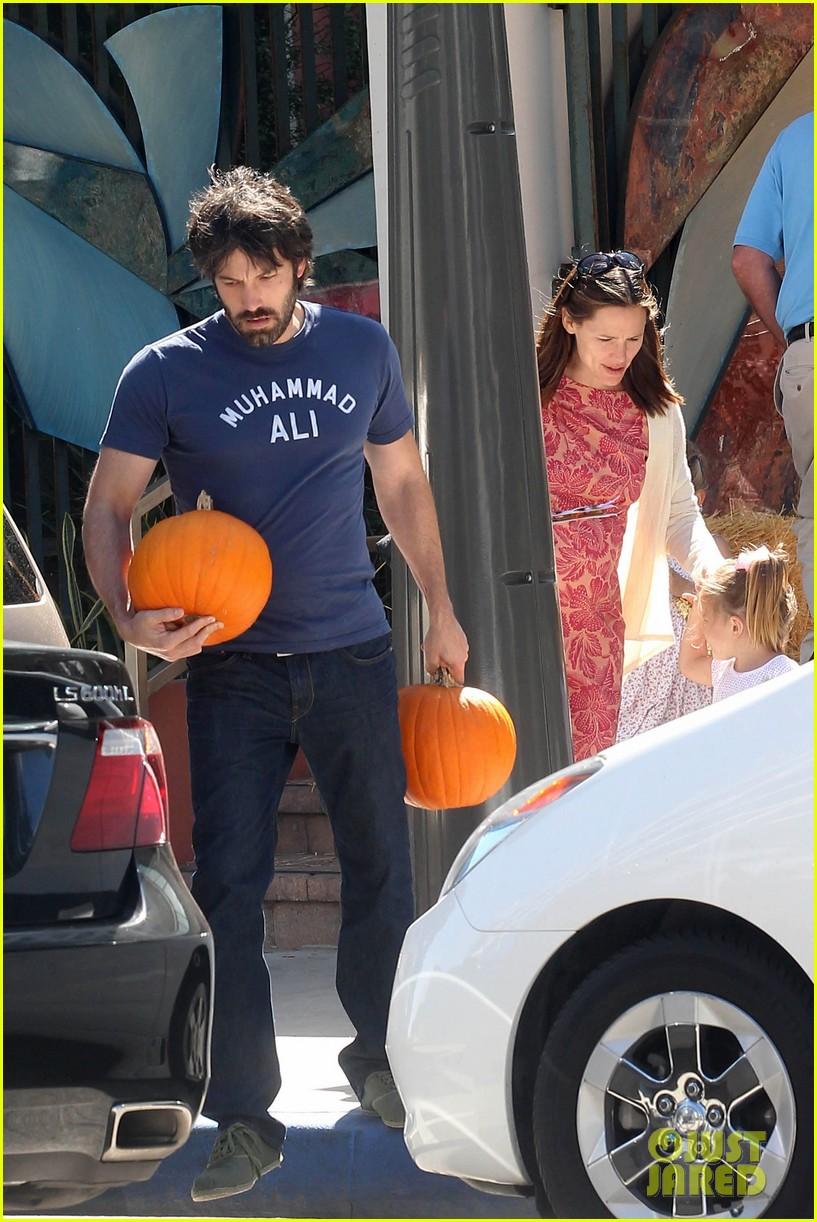 ben affleck jennifer garner pumpkins 192588328