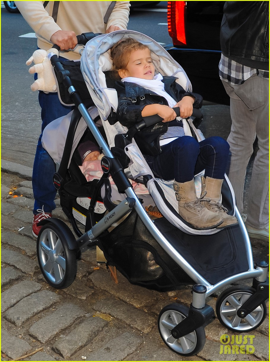 jessica alba central park with the family 03