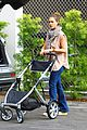 jessica alba running errands with baby haven 08