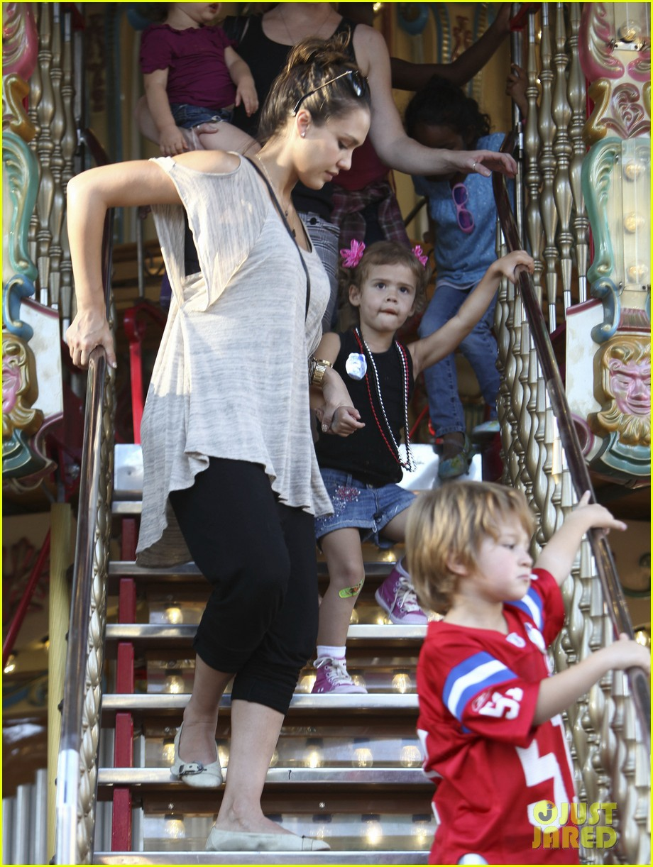 jessica alba family fun day 152586188