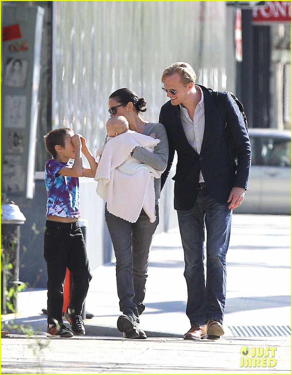 jennifer connelly agnes paul bettany nyc 01