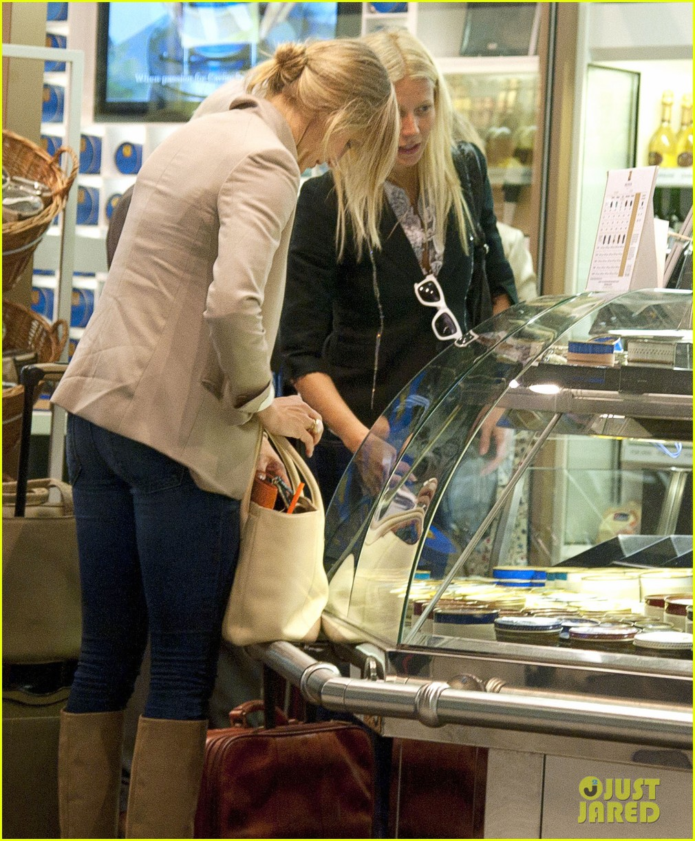 Gwyneth Paltrow & Cameron Diaz: Heathrow Departure Duo Gwyneth Paltrow