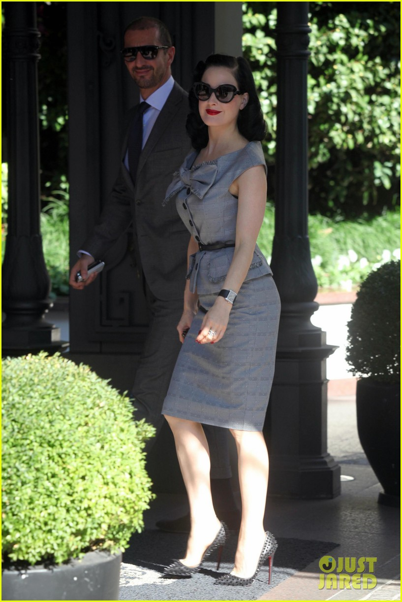 dita von teese grey dress milan 022588757