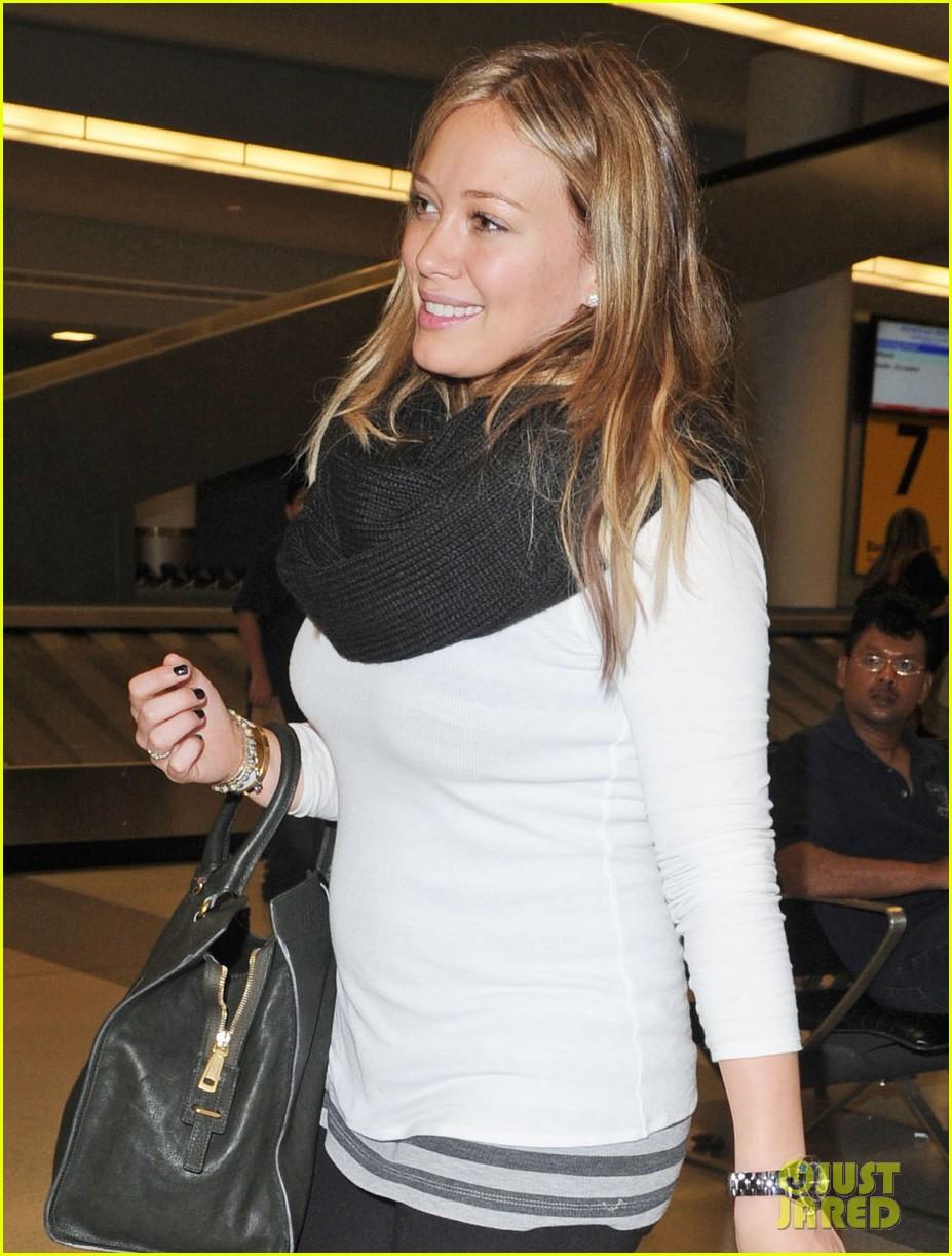 Hilary Duff: 'Devoted' in NYC! Hilary Duff