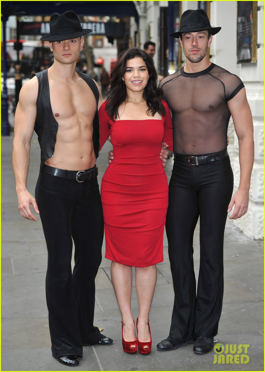 america ferrera chicago photo call 05