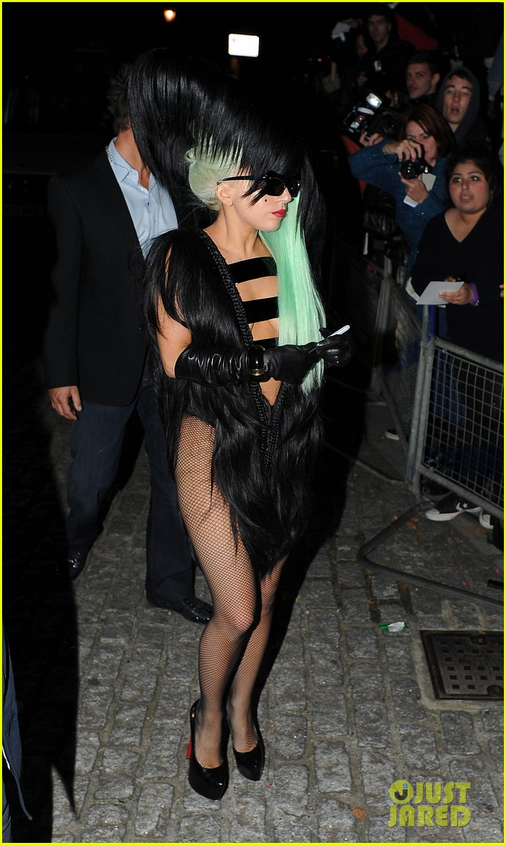 lady gaga hair outfit 032587586