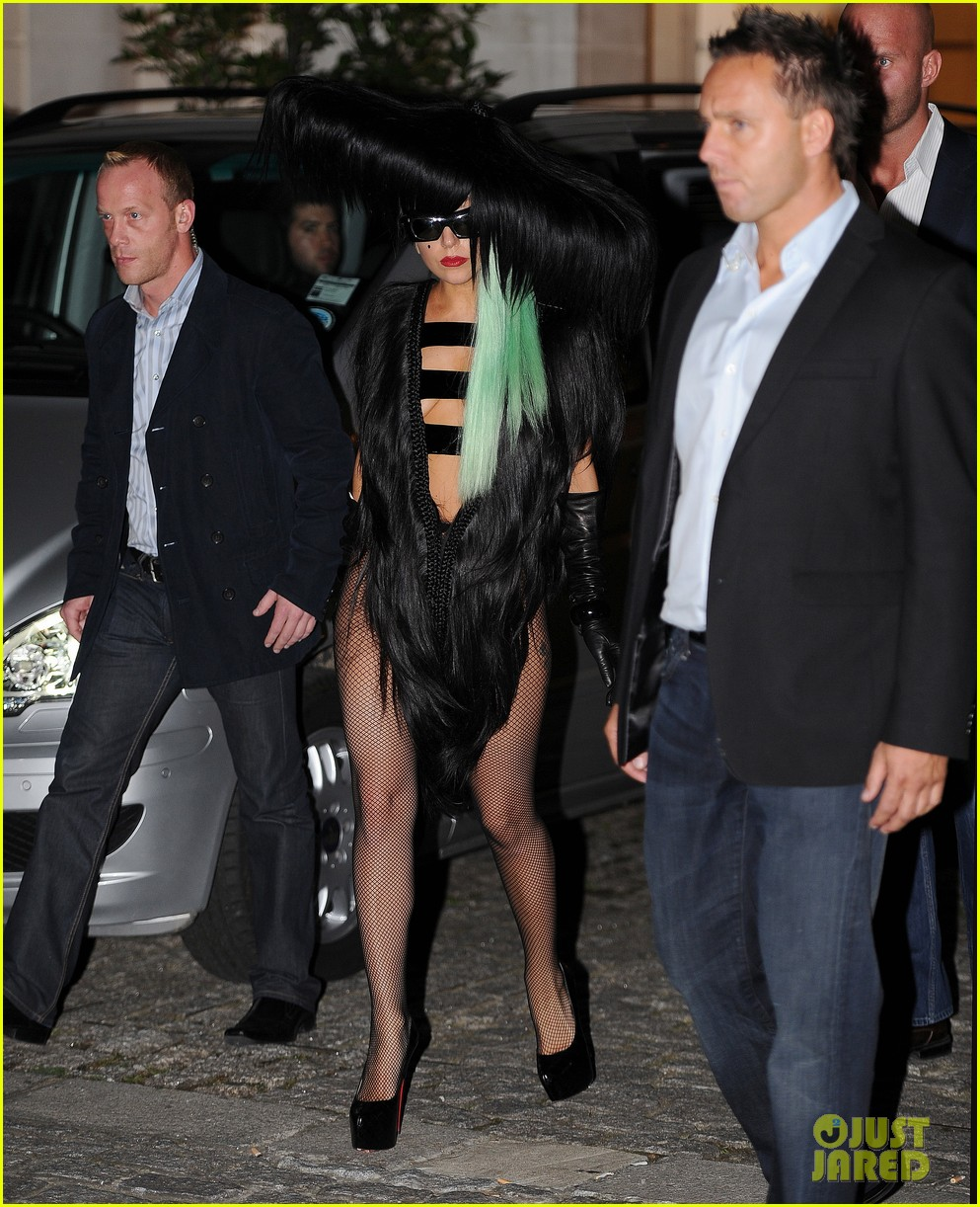 lady gaga hair outfit 102587593
