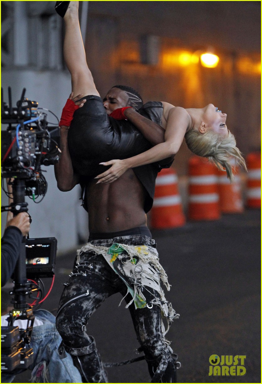lady gaga marry the night 02