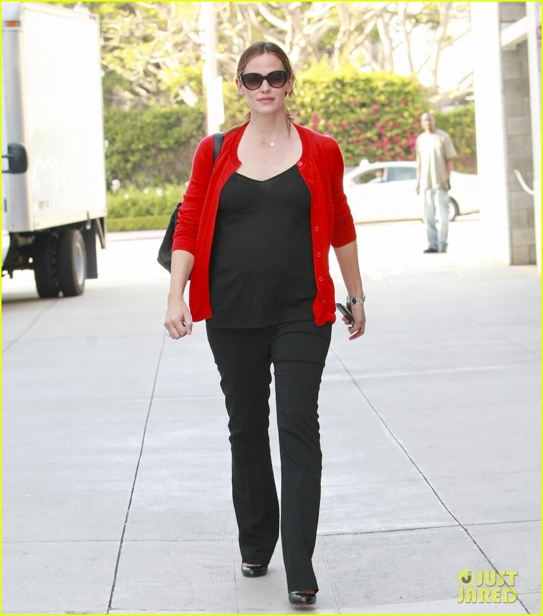 Very Pregnant Celebrities 60