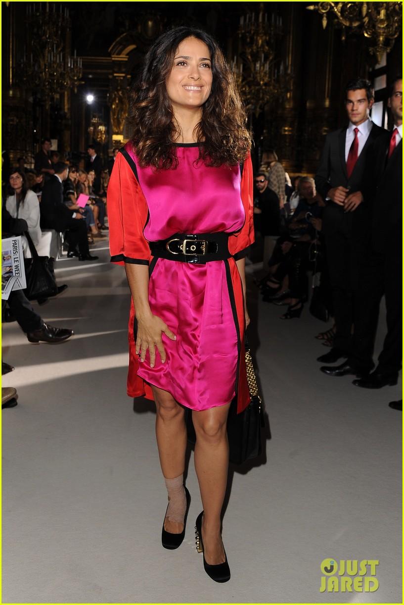 salma hayek francois henri pinault stella mccartney paris fashion week 04