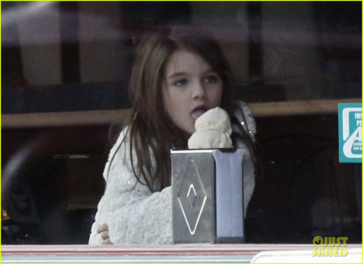 katie holmes suri ice cream 04
